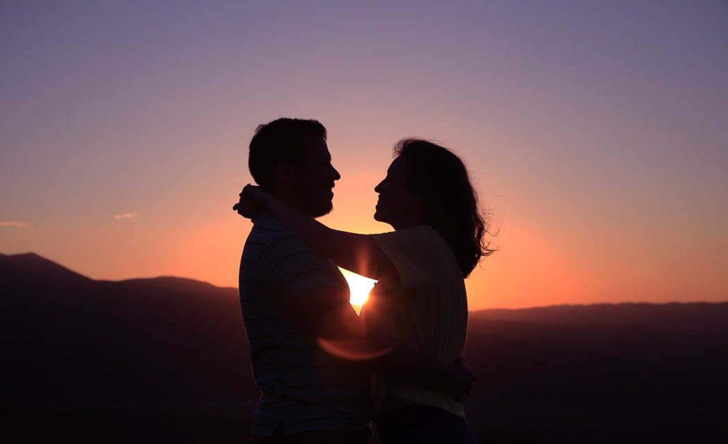 12 Signs & Examples Of Real, True Love (Surprising)